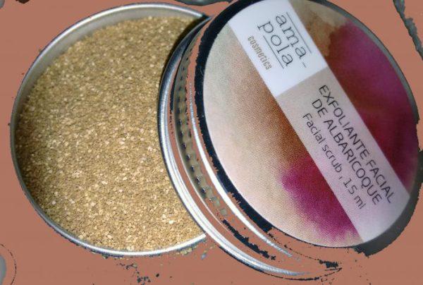 Exfoliante de hueso de albaricoque Amapola Bio. Foto: Sara Niño Rodríguez